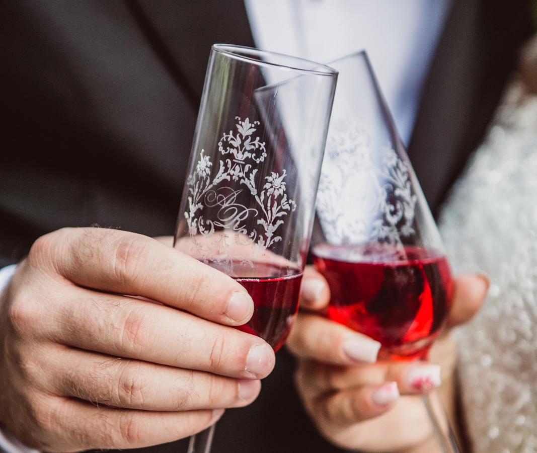 Pahare si marturii personalizate pentru nunta