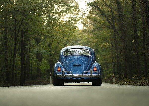 Invata sa conduci prudent utilizand oglinda retrovizoare